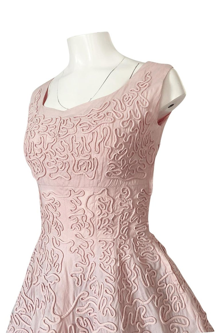 1950s Adele Simpson Pink Cotton Dress w Hand Applique Cording Detail For Sale 4