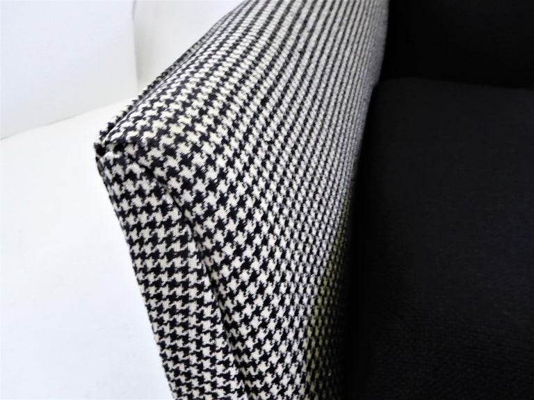 1950s Adrian Pearsall Lounge Armchair in Houndstooth For Sale 4