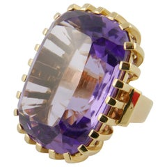 1950s Amethyst and Yellow Gold Ring