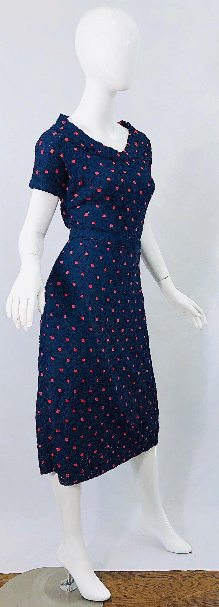 1950s Ann Fleischer for I Magnin Hand Ribbon Knit Navy Blue + Red Vintage Dress For Sale 5