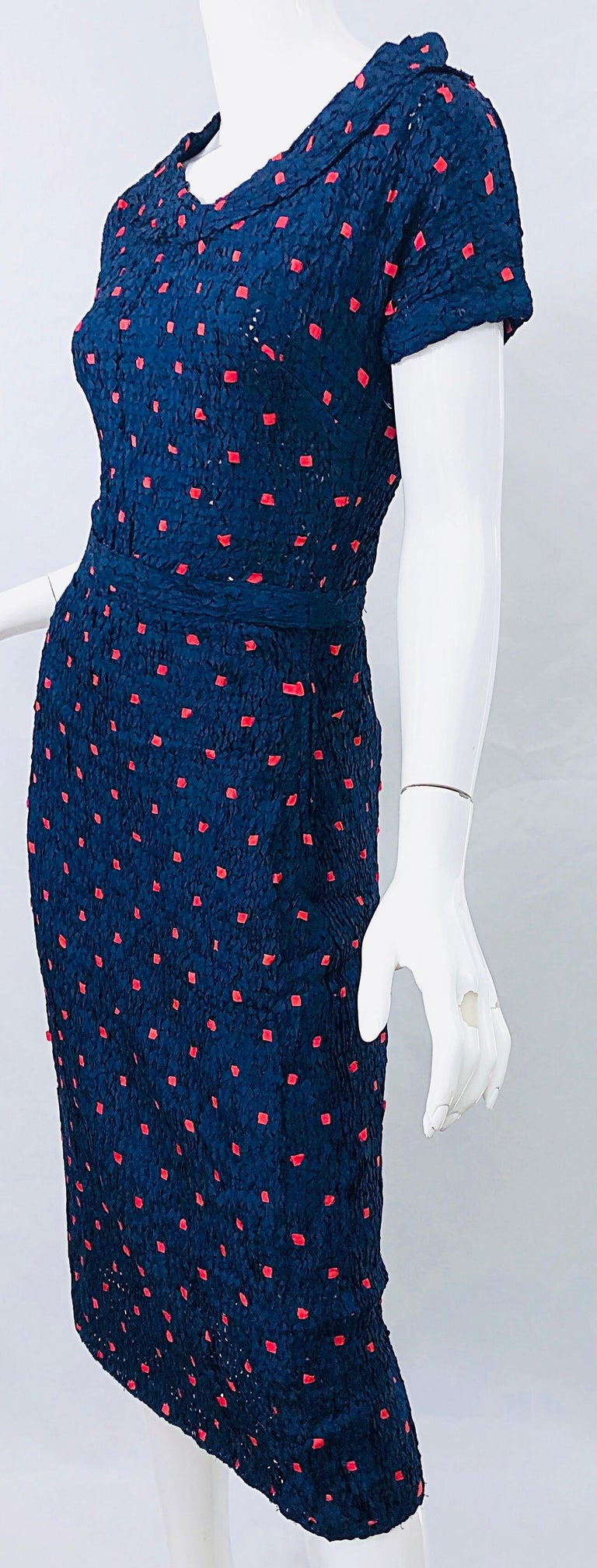 1950s Ann Fleischer for I Magnin Hand Ribbon Knit Navy Blue + Red Vintage Dress For Sale 7