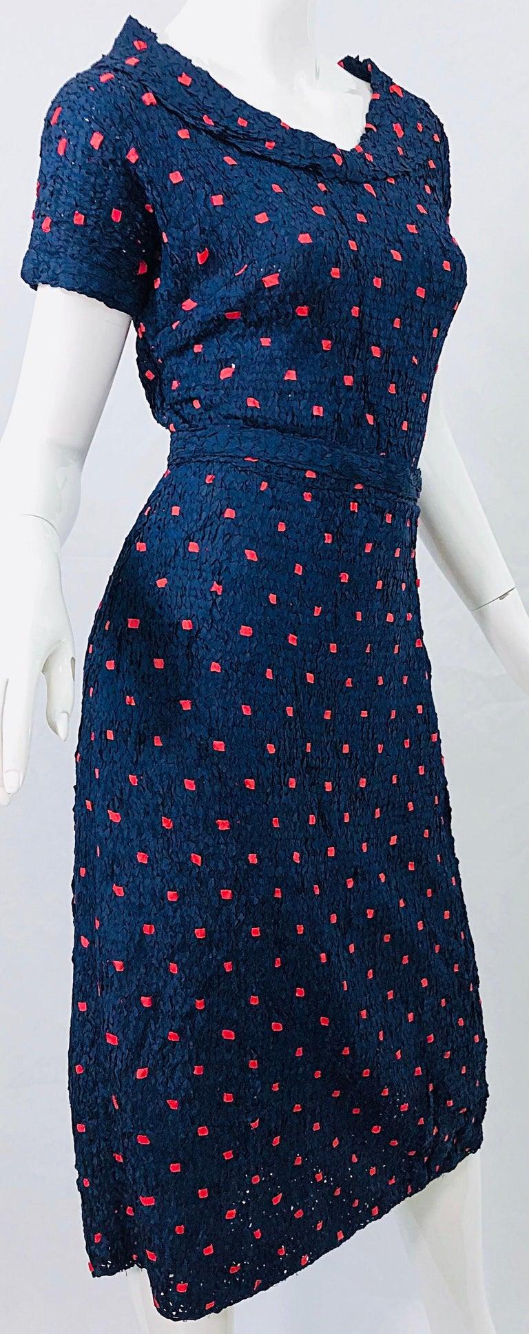 1950s Ann Fleischer for I Magnin Hand Ribbon Knit Navy Blue + Red Vintage Dress For Sale 3