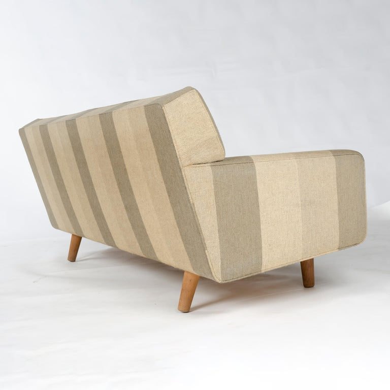 1950s AP32-S Danish Upholstered Sofa by Hans J. Wegner for A. P. Stolen In Good Condition For Sale In Sagaponack, NY