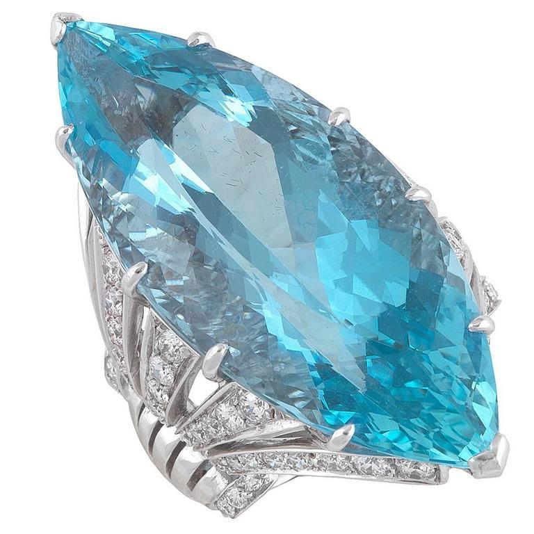 1950s Aquamarine Diamond White Gold Dress Ring In Excellent Condition For Sale In Firenze, IT