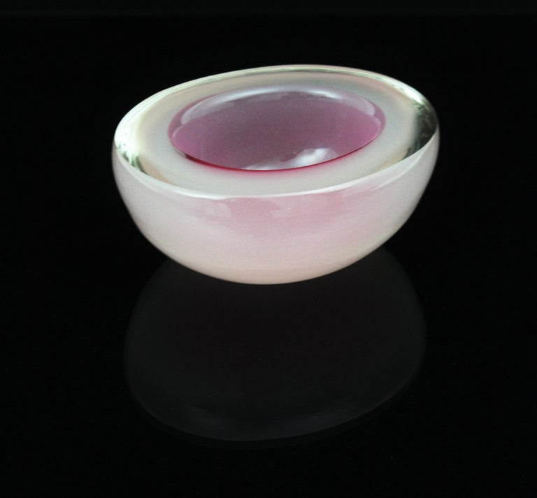 Archimede Seguso Murano Opal Pink & White Alabastro Oval Geode Glass Bowl, 1950s For Sale 7
