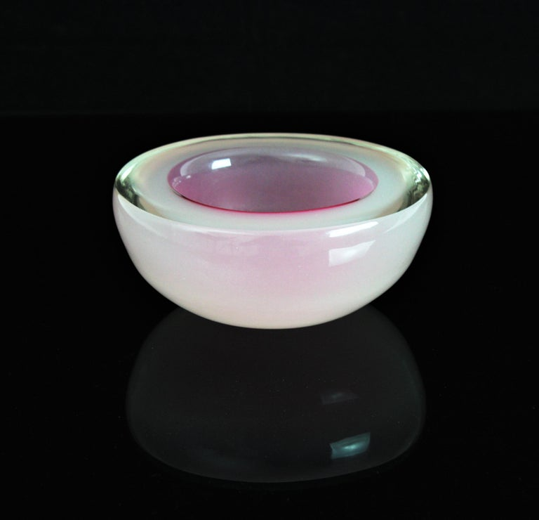 Italian Archimede Seguso Murano Opal Pink & White Alabastro Oval Geode Glass Bowl, 1950s For Sale
