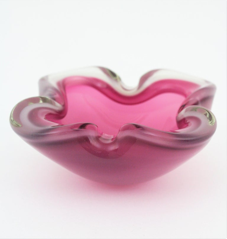 Mid-Century Modern Archimede Seguso Murano Opal White & Pink Alabastro Glass Flower Bowl, 1950s For Sale