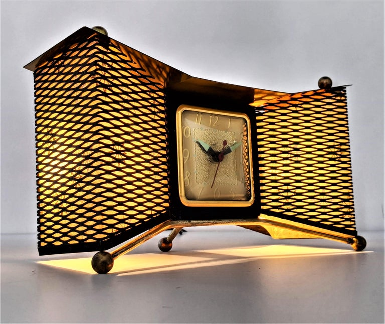 Atomic bow-tie clock from United Clock Corp. USA. 