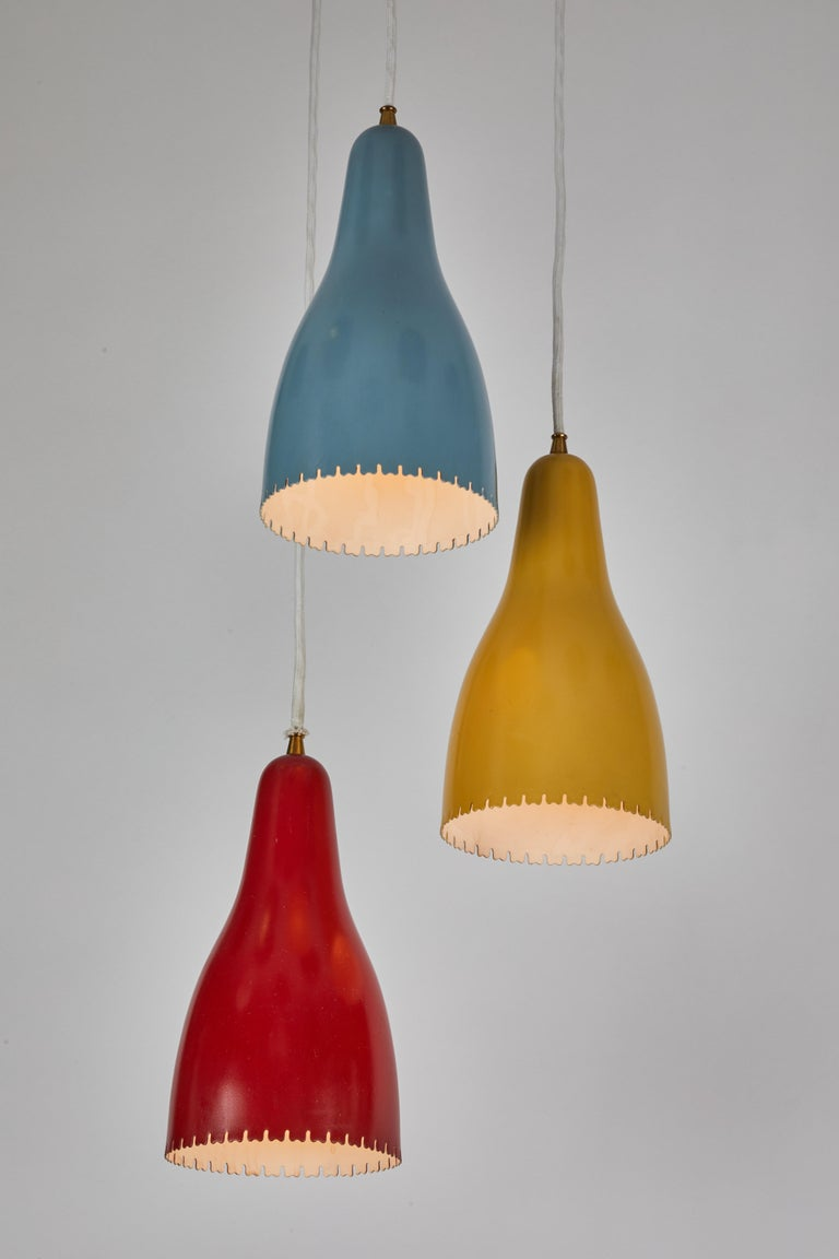 1950s Bent Karlby 3-Cone Chandelier for Lyfa In Good Condition For Sale In Glendale, CA