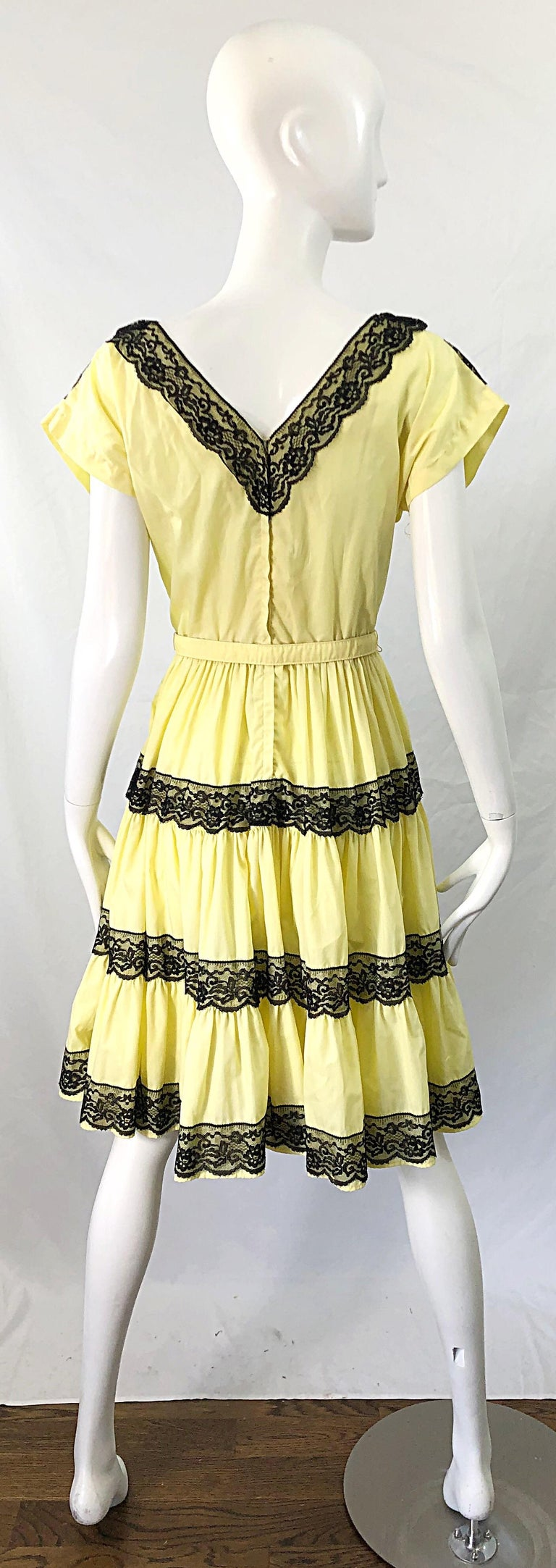 1950s Bettina of Miami Yellow + Black Cotton Lace Fit n' Flare Vintage 50s Dress For Sale 5