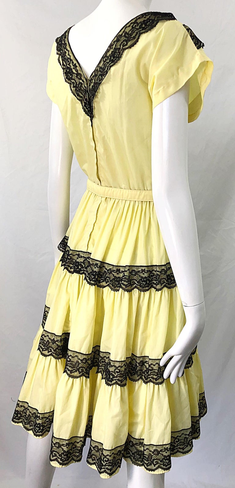 1950s Bettina of Miami Yellow + Black Cotton Lace Fit n' Flare Vintage 50s Dress For Sale 7