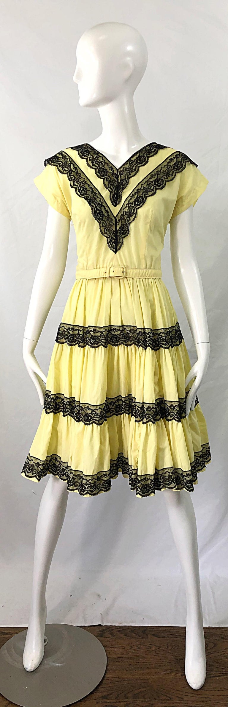 1950s Bettina of Miami Yellow + Black Cotton Lace Fit n' Flare Vintage 50s Dress For Sale 8