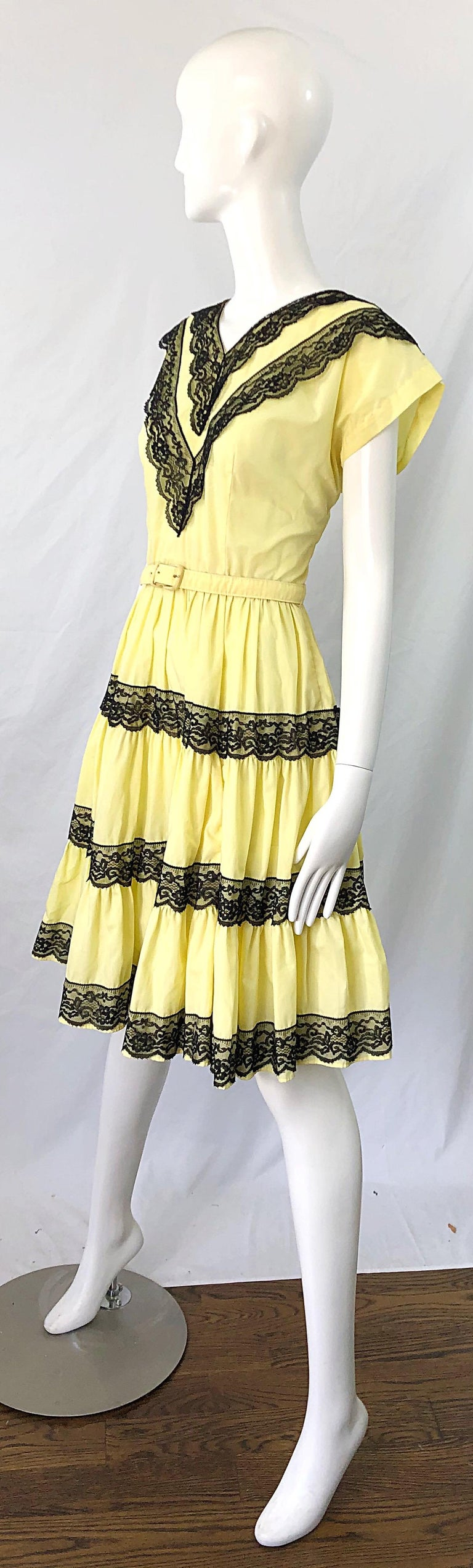 Women's 1950s Bettina of Miami Yellow + Black Cotton Lace Fit n' Flare Vintage 50s Dress For Sale