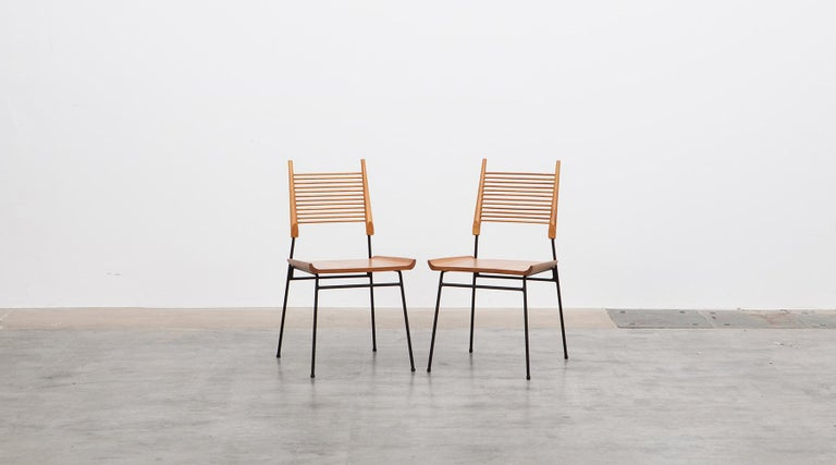 Mid-20th Century 1950s Black Metal Base and Maple Side Chairs by Paul McCobb For Sale