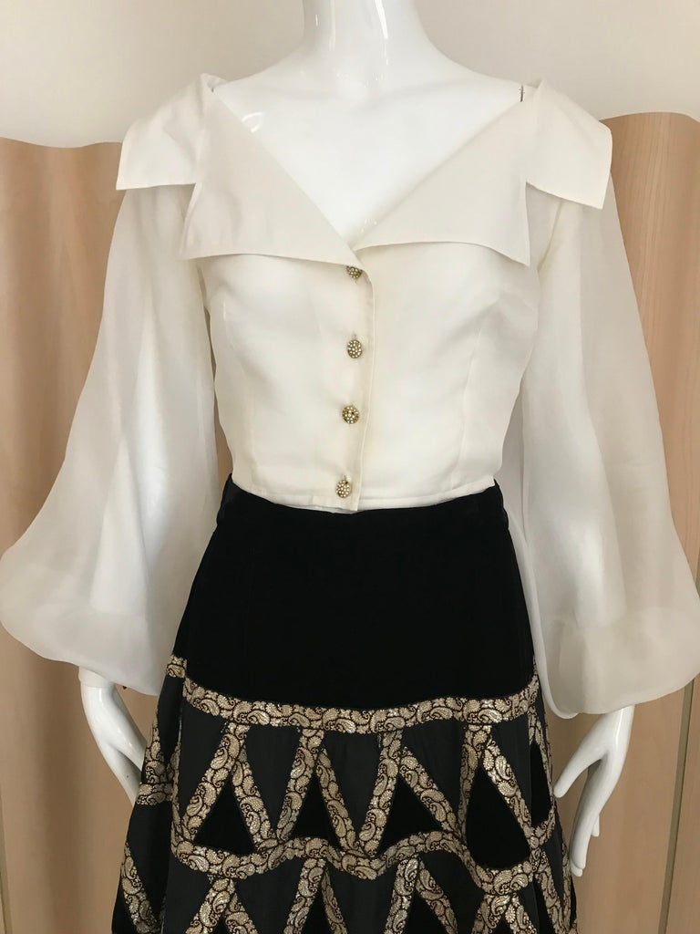 1950s Black Velvet and Gold Cocktail Skirt For Sale 4