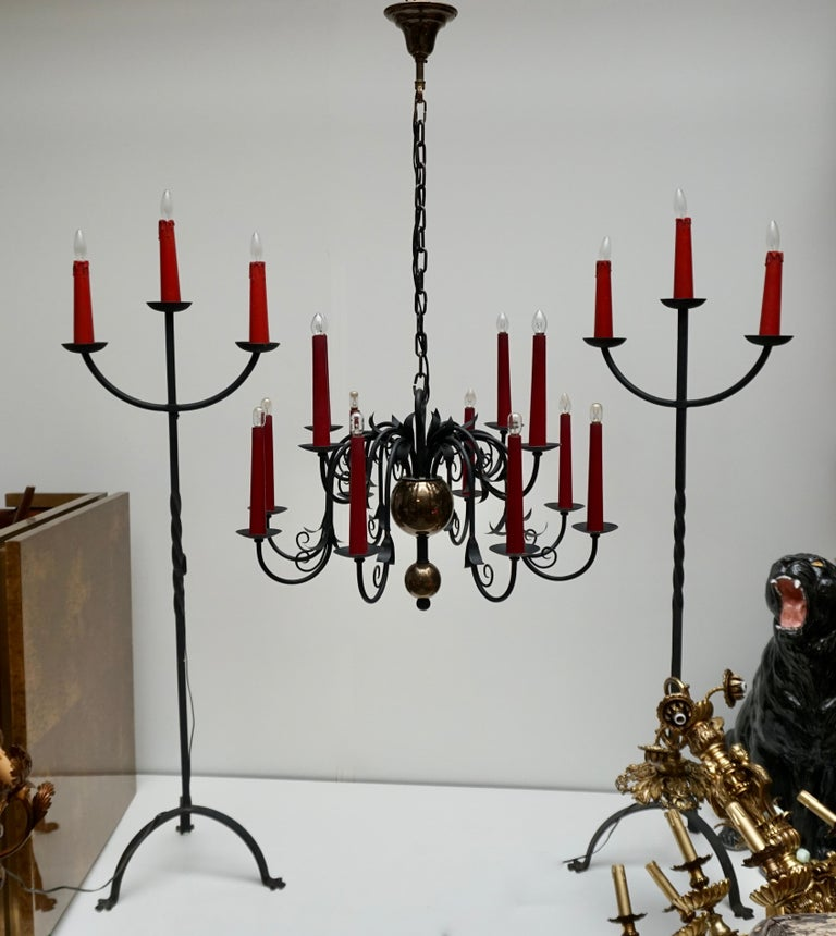 1950s Black Wrought Iron Gothic Chandelier with 12 Red Candlesticks For Sale 4