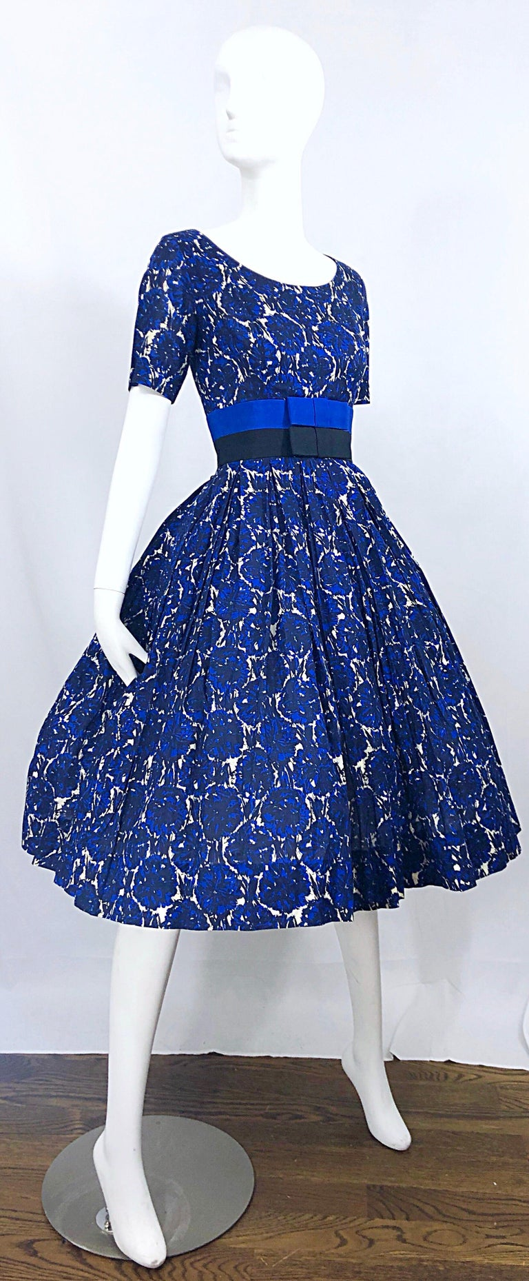 1950s Bonwit Teller Demi Couture Blue Abstract Floral Fit n' Flare Vintage Dress For Sale 8