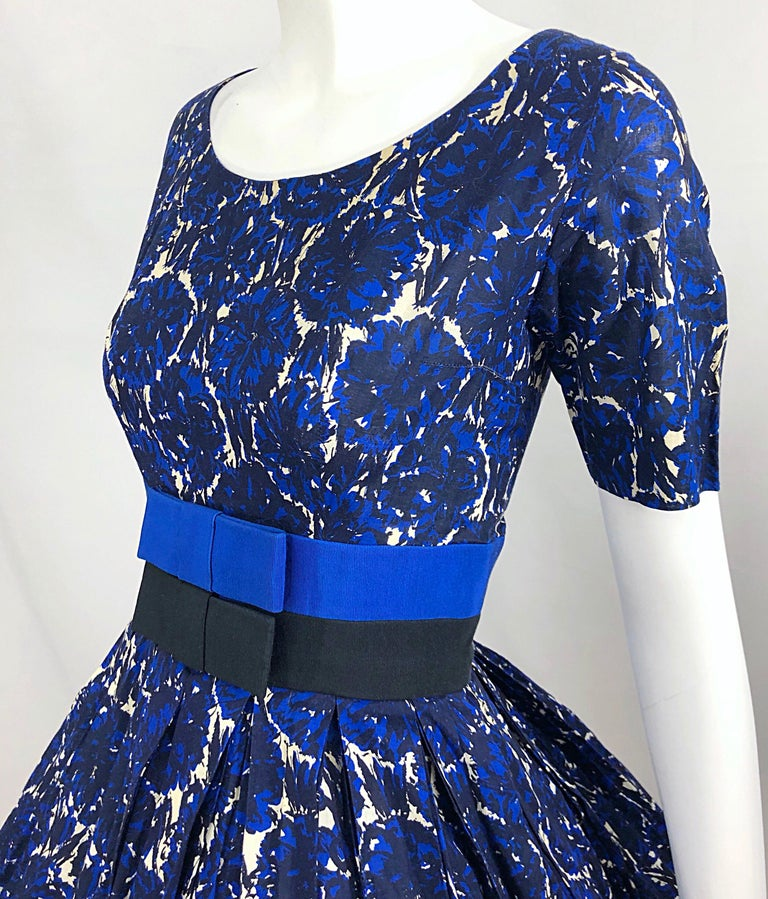 1950s Bonwit Teller Demi Couture Blue Abstract Floral Fit n' Flare Vintage Dress For Sale 4