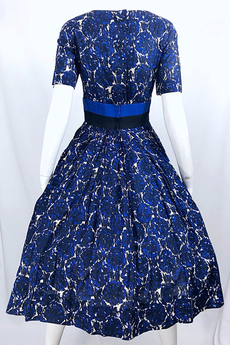 1950s Bonwit Teller Demi Couture Blue Abstract Floral Fit n' Flare Vintage Dress For Sale 5