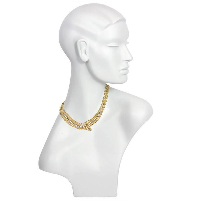 1950s Boucheron Gold and Diamond Plume Design Necklace In Excellent Condition For Sale In New York, NY