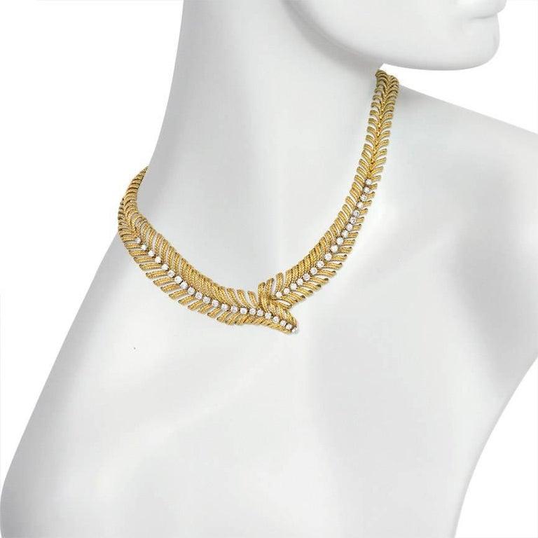 Women's or Men's 1950s Boucheron Gold and Diamond Plume Design Necklace For Sale