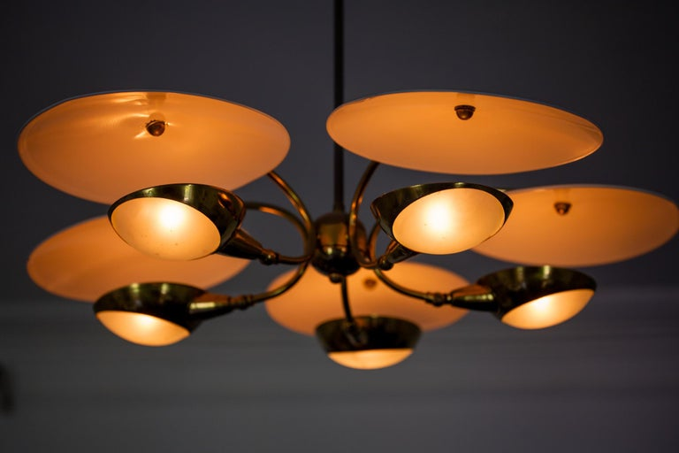 1950s Brass and Black Italian Chandelier For Sale 3
