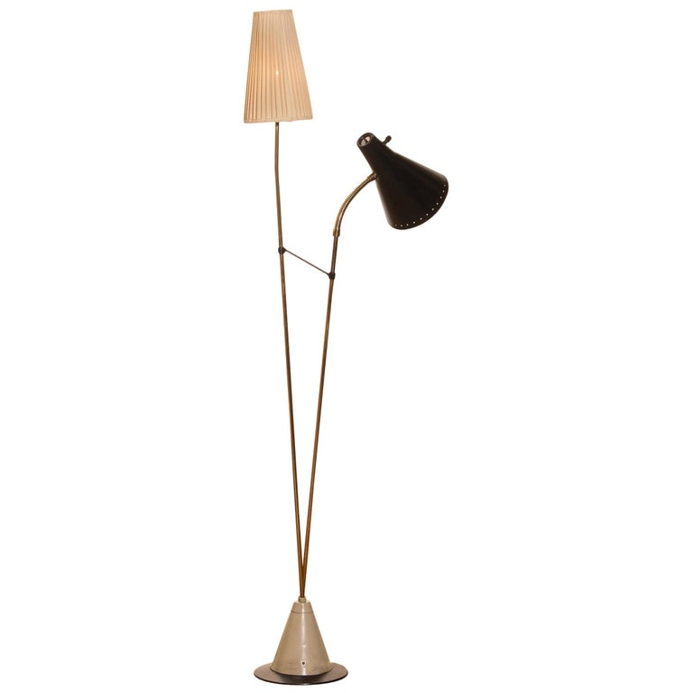 Beautiful floor lamp designed by Hans Bergström for Ateljé Lyktan, Sweden.