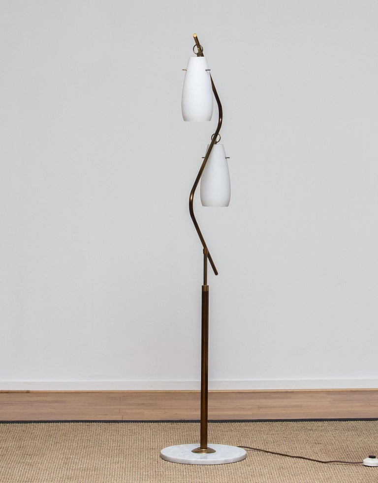 1950s Brass Stilnovo Floor Lamp with Two Opaline Shades or Vases, Italy For Sale 4