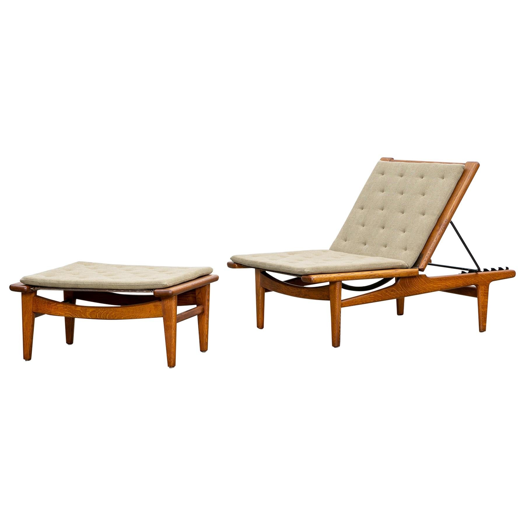 1950s Brown Oak Chaise Lounge with Ottoman by Hans Wegner