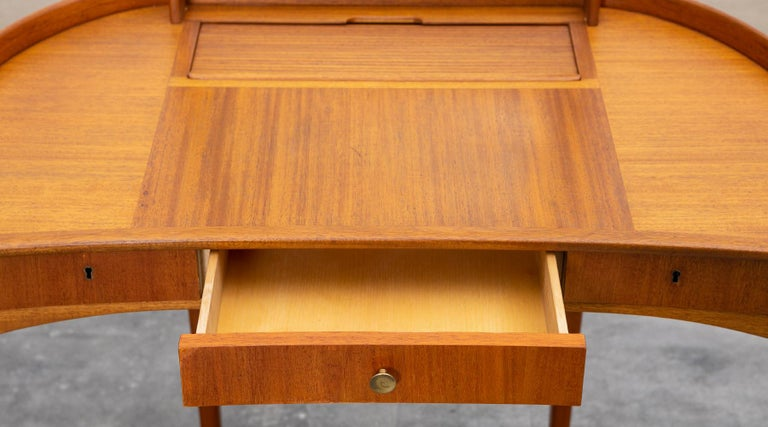 1950s Brown Teak Dressing Table with Stool by Carl Malmsten For Sale 3
