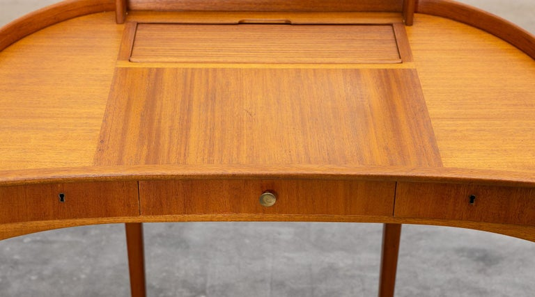 1950s Brown Teak Dressing Table with Stool by Carl Malmsten For Sale 2