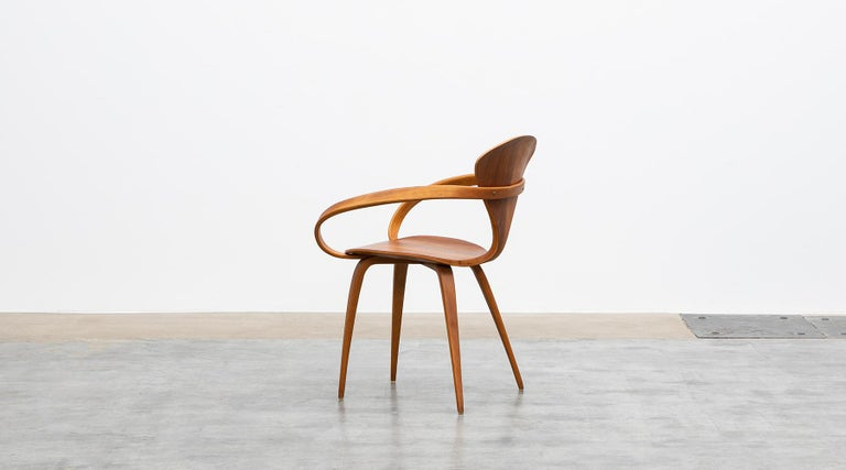 1950s Brown Wooden Walnut Plywood Chair by Norman Cherner 'b' In Good Condition For Sale In Frankfurt, Hessen, DE