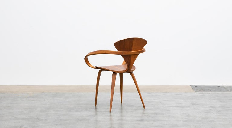 Mid-20th Century 1950s Brown Wooden Walnut Plywood Chair by Norman Cherner 'b' For Sale