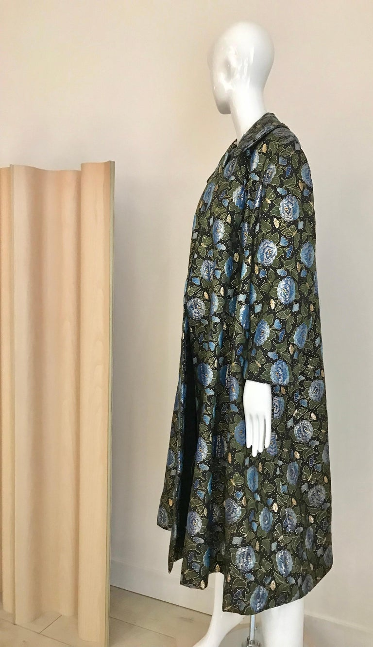 1950s Green and Blue Butterfly Print Brocade  Coat For Sale 1