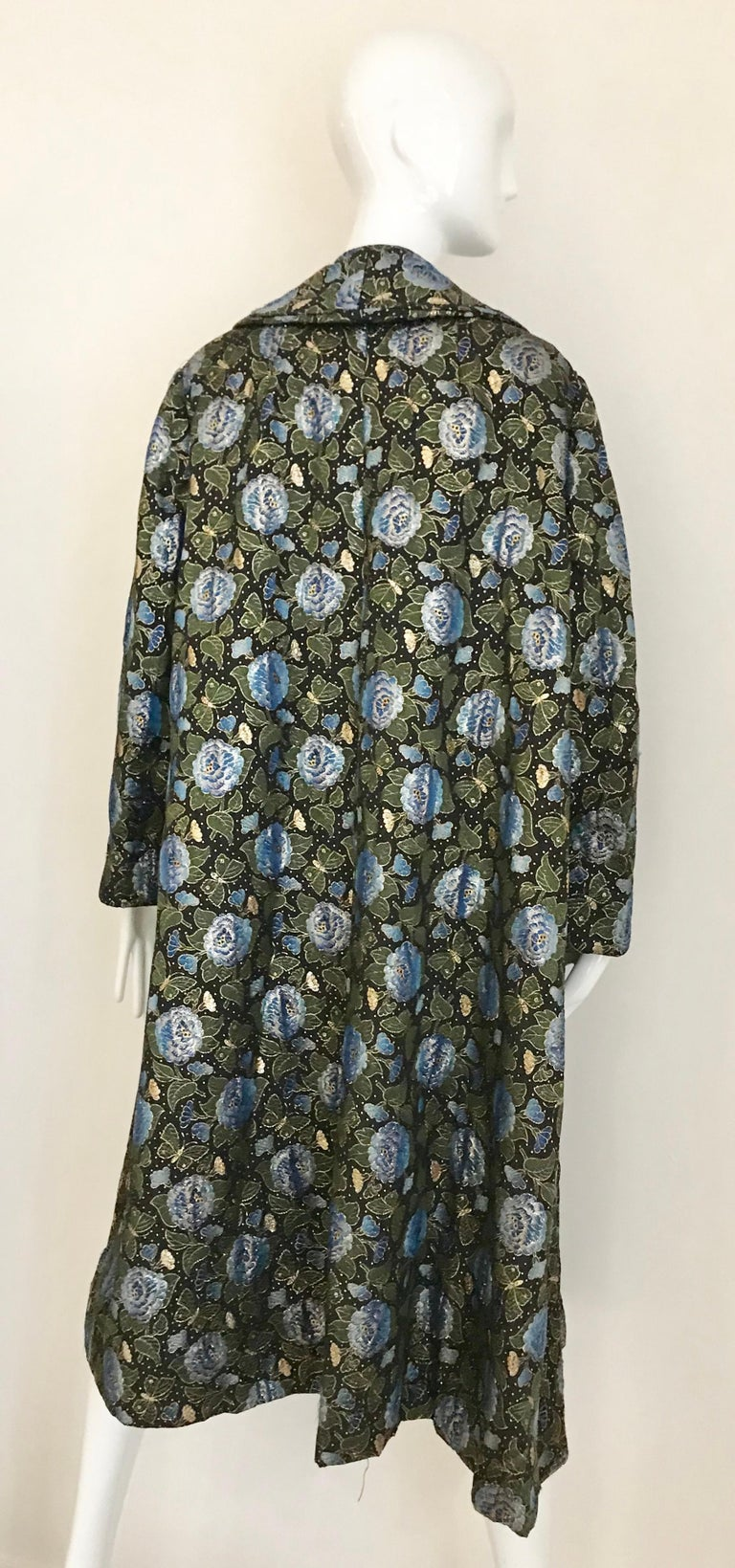 1950s Green and Blue Butterfly Print Brocade  Coat For Sale 3