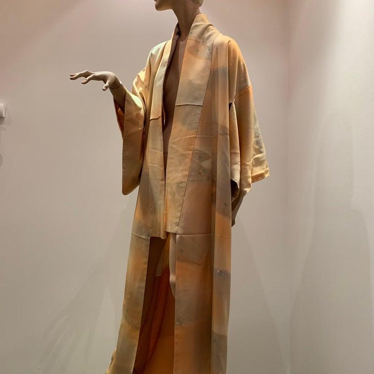 1950s Cantaloupe Silk Kimono W/ Torso Creations Leaf Motif Belt For Sale 12