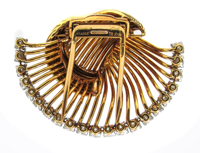 1950s Cartier Paris Retro Diamond Gold Brooch In Excellent Condition For Sale In New York, NY
