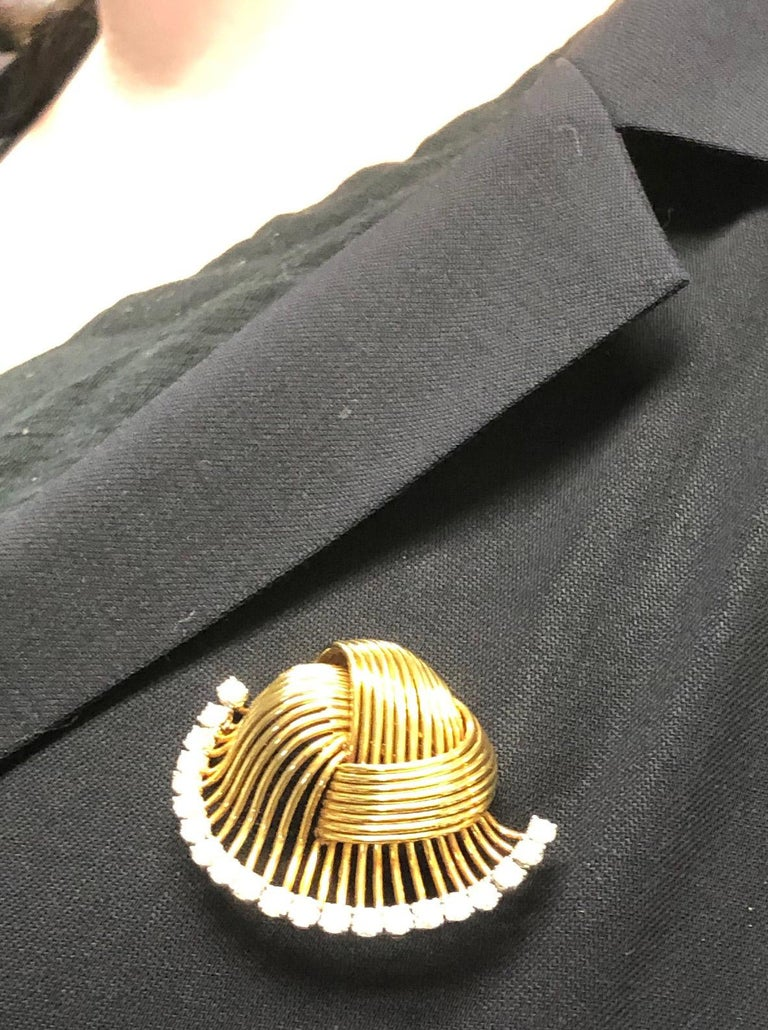 1950s Cartier Paris Retro Diamond Gold Brooch For Sale 1