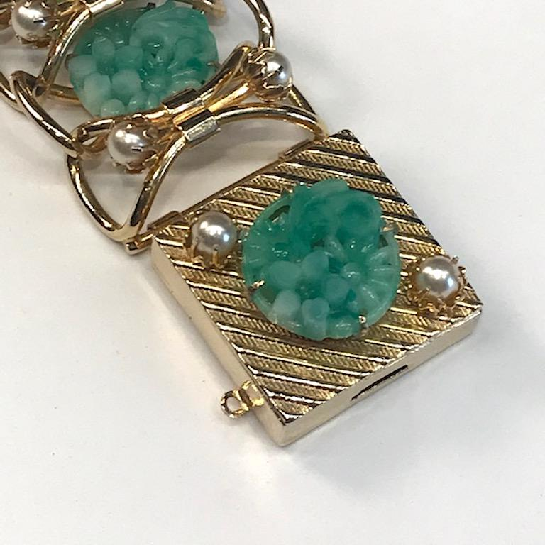 1950s Carved Glass & Pearl Wide Bracelet For Sale 3