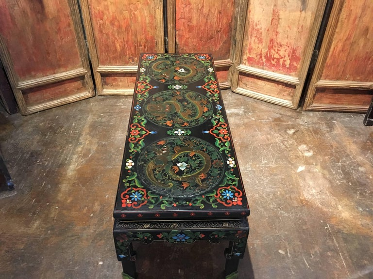 Hollywood Regency 1950s Chinese Black Lacquer Painted Dragon Coffee Table or Bench For Sale