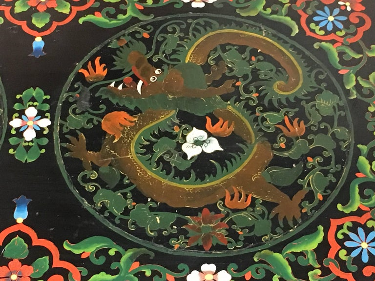 1950s Chinese Black Lacquer Painted Dragon Coffee Table or Bench For Sale 1