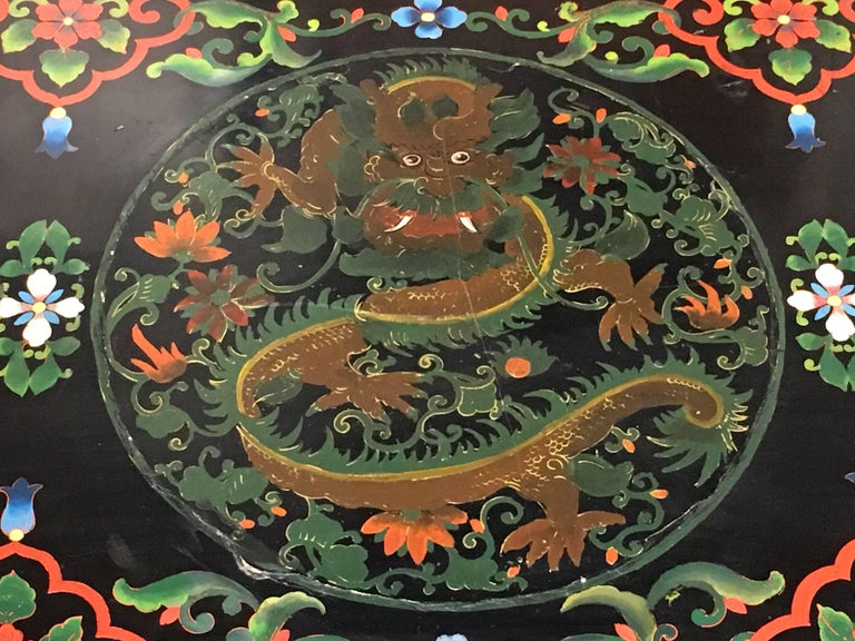 1950s Chinese Black Lacquer Painted Dragon Coffee Table or Bench For Sale 2