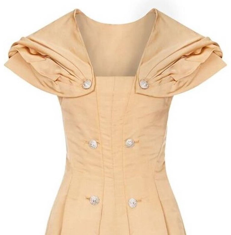 1950s Christian Dior Demi Couture Gold Silk Dress With Detachable Shawl In Excellent Condition For Sale In London, GB