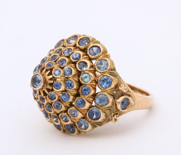1950s Cone Style Pastel Color Sapphires with Gold Moveable Cocktail Ring In Good Condition For Sale In New York, NY