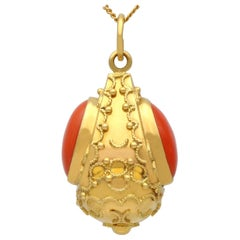 1950s Coral and Yellow Gold Pendant