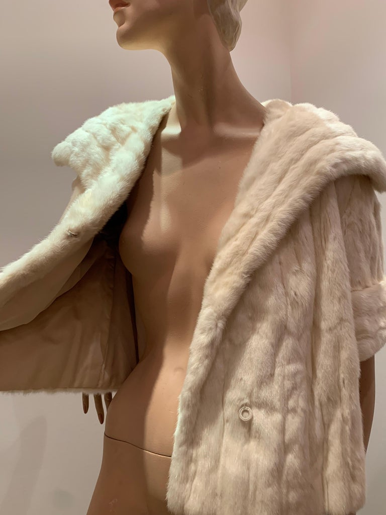 1950s Cream Ermine Evening Jacket W/ Wide Collar and Elbow Cuffed Sleeves For Sale 9
