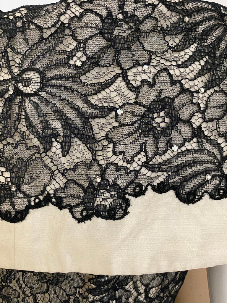 1950s Creme And Black Silk Lace cocktail Dress For Sale 2