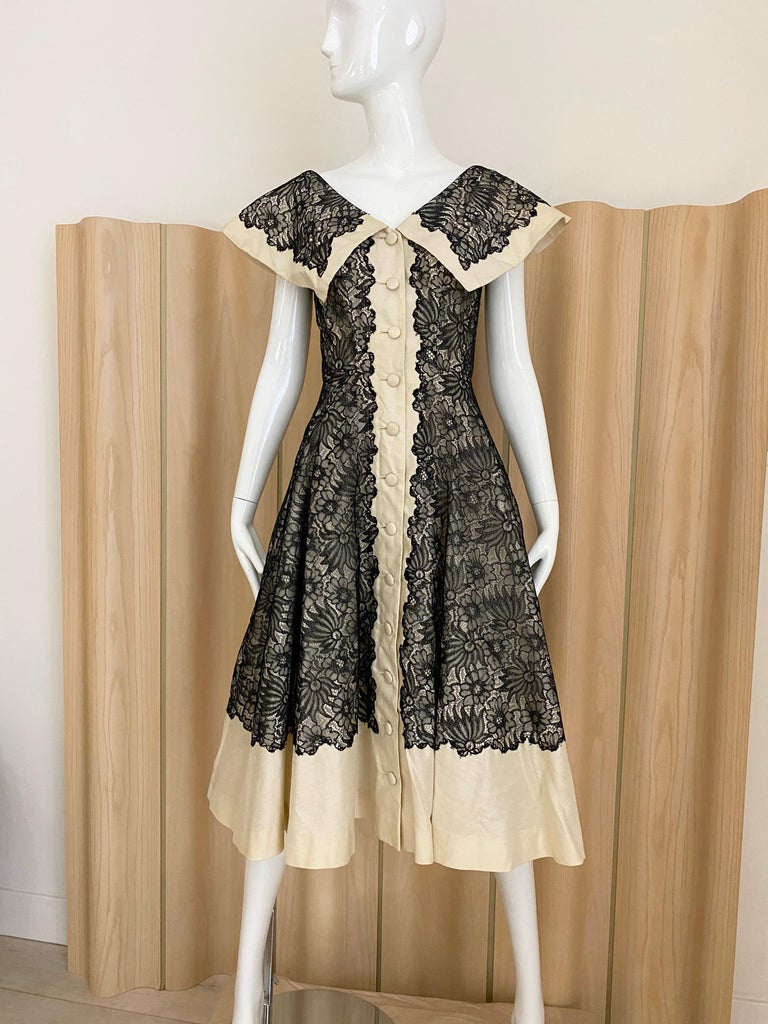 1950s Creme And Black Silk Lace cocktail Dress For Sale 4