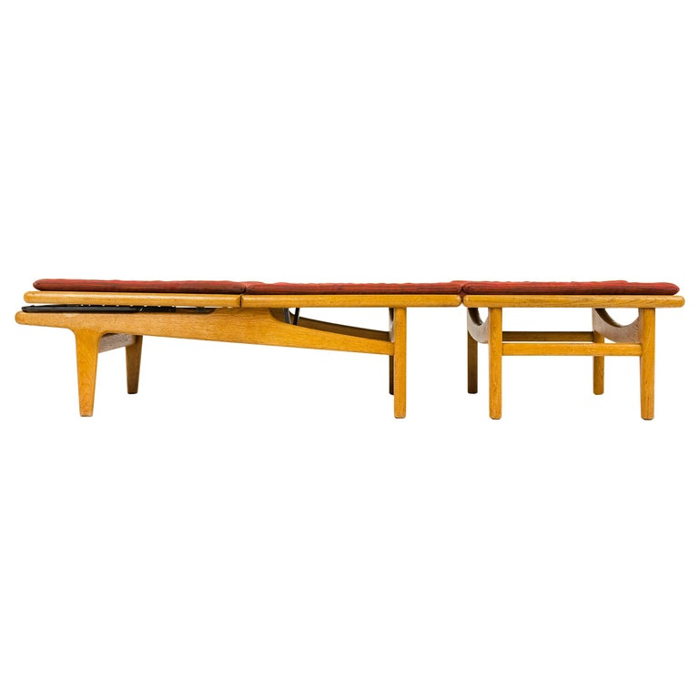 1950s Danish Chaise Lounge Chair and Footrest by Hans J. Wegner for GETAMA For Sale