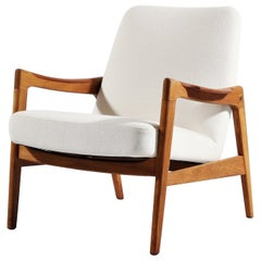 1950s Danish Modern Cabinetmakers Easy Chair in Teak, Oak and White Kvadrat Wool